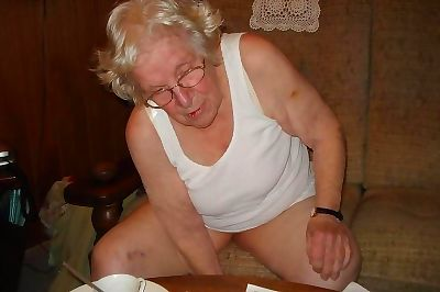Very old granny fingering..