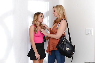 Blonde mommy Julia Ann and..
