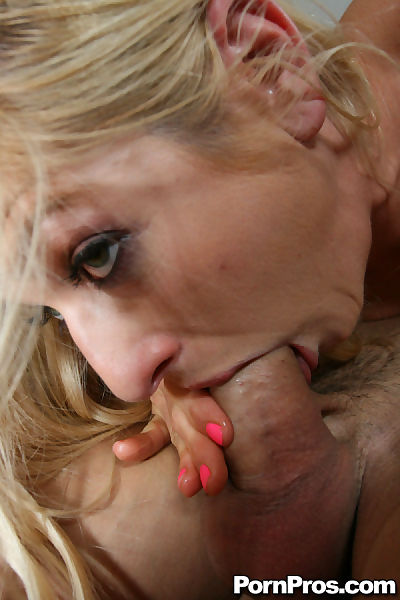 Insatiable MILF Paris Gables..