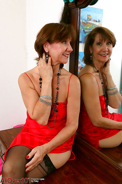 Lynn hot reflection - part 555