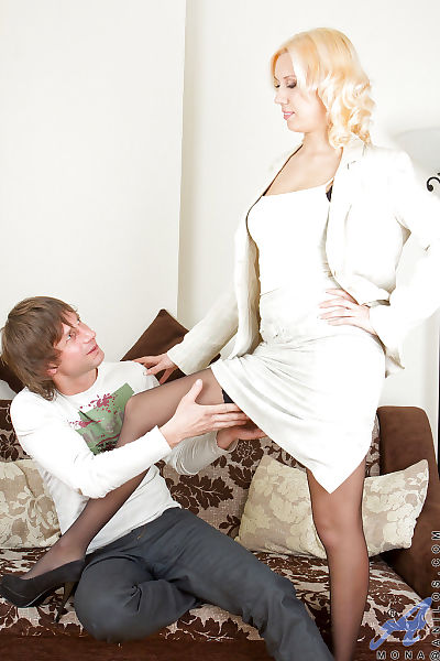 Naughty blonde mom in..
