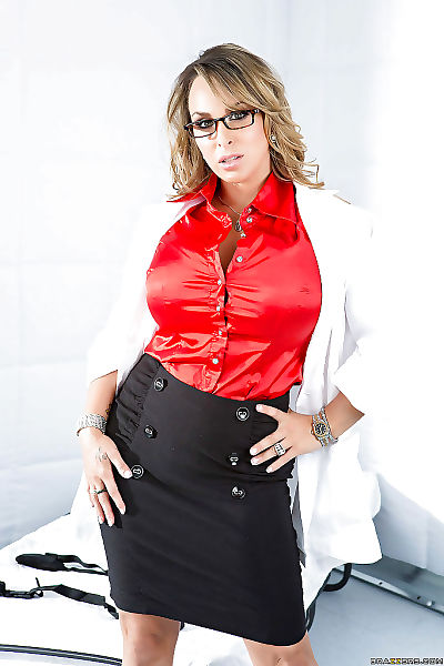 Top-heavy MILF in glasses..